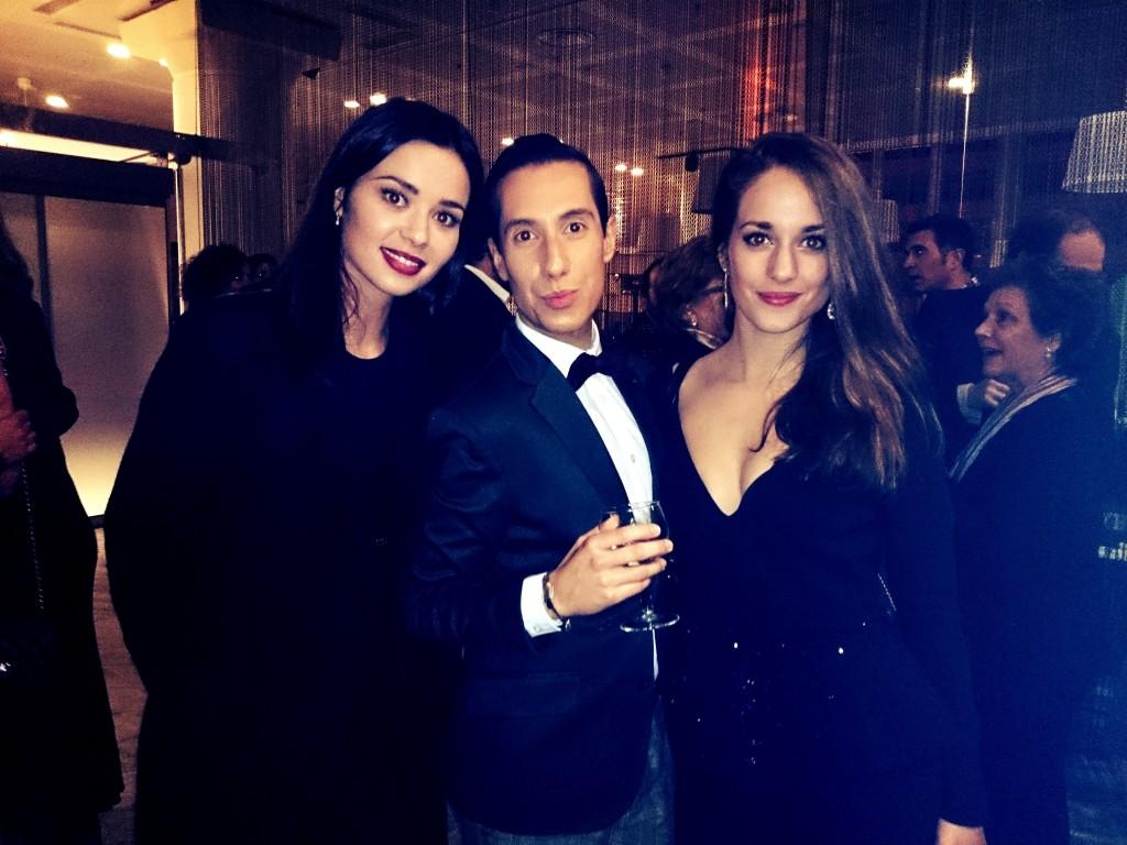 Con las actrices Silvia Alonso y Dafne Fernández